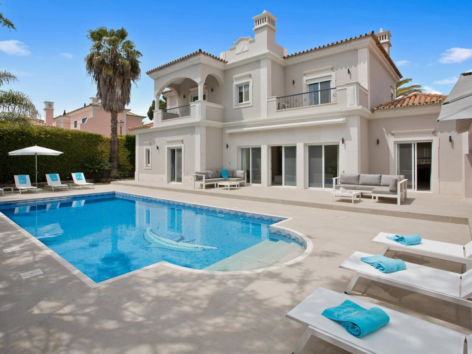 Luxury Villas With Pool, Holiday Apartments For Rent In Algarve