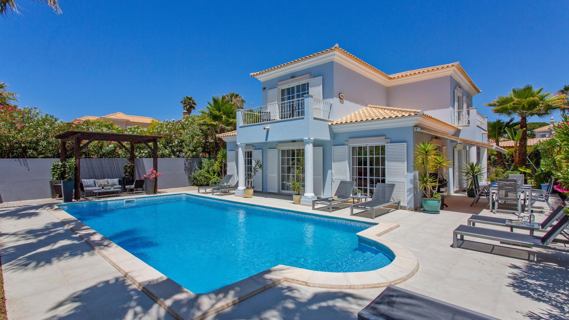 Villa Areia Azul - Varandas do Lago, Quinta do Lago, Algarve - 1_1.png