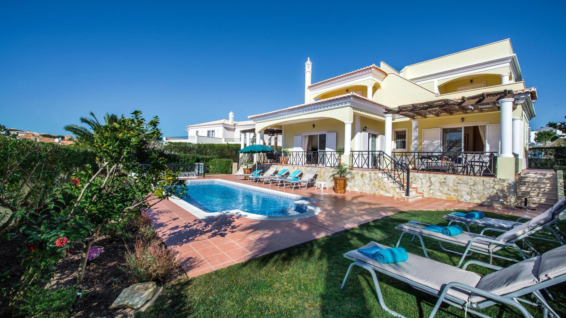 Villa dos Sonhos - Varandas do Lago, Quinta do Lago, Algarve - Villa_dos_Sonhos_1.jpg