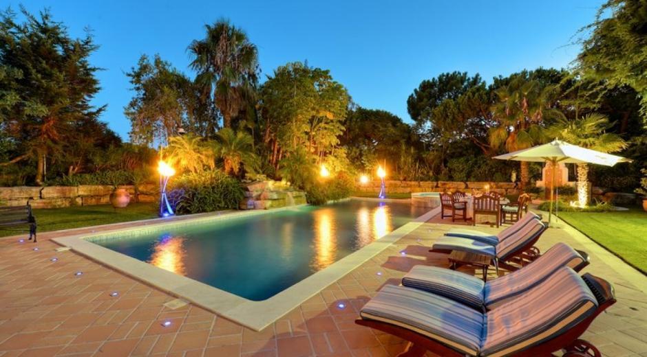 Villa paraiso 5 bedroom villa sleeps 10 in quinta do for Villas otoch paraiso