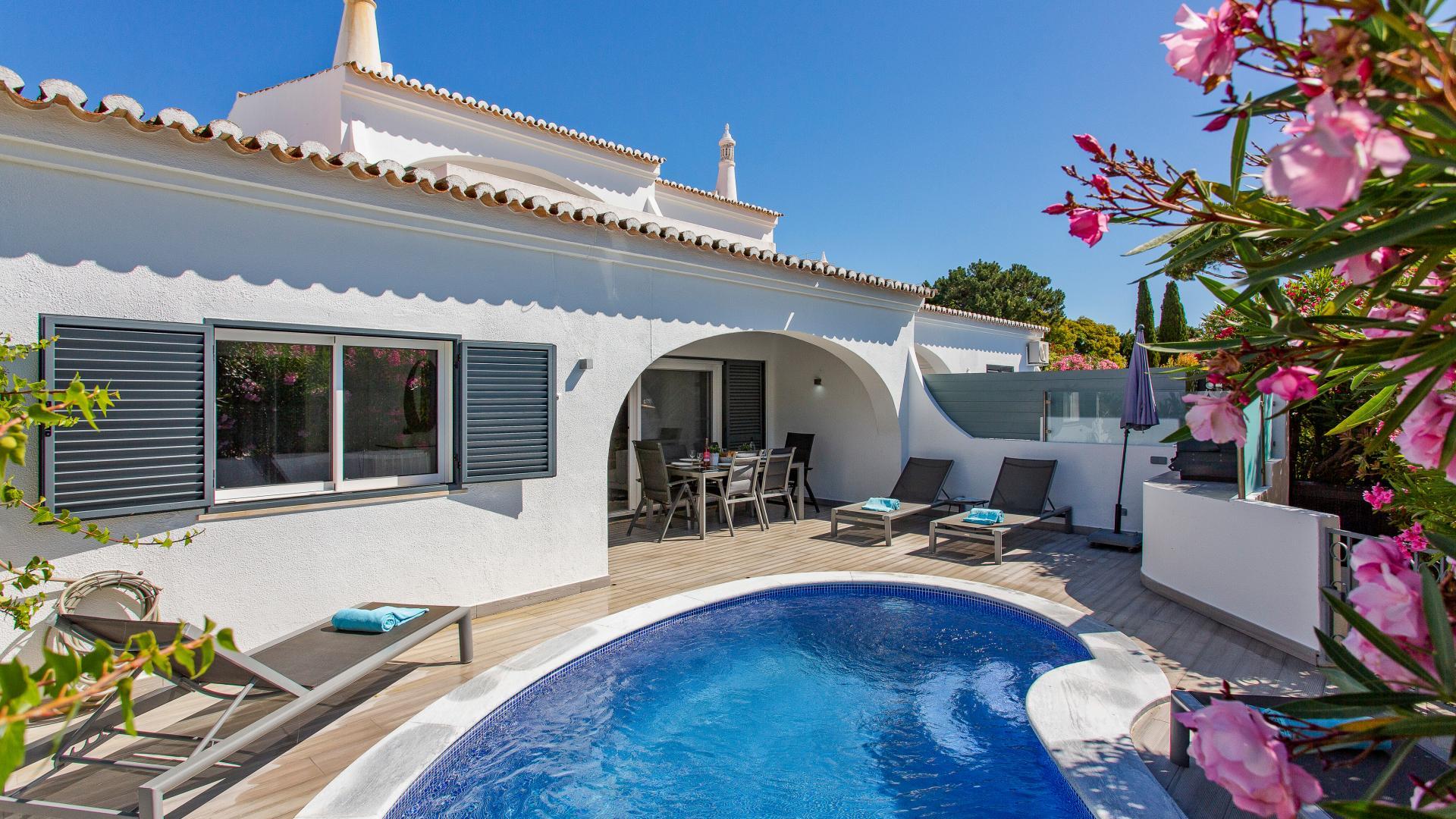 Villa Amara - Vale do Lobo, Algarve - 1.png