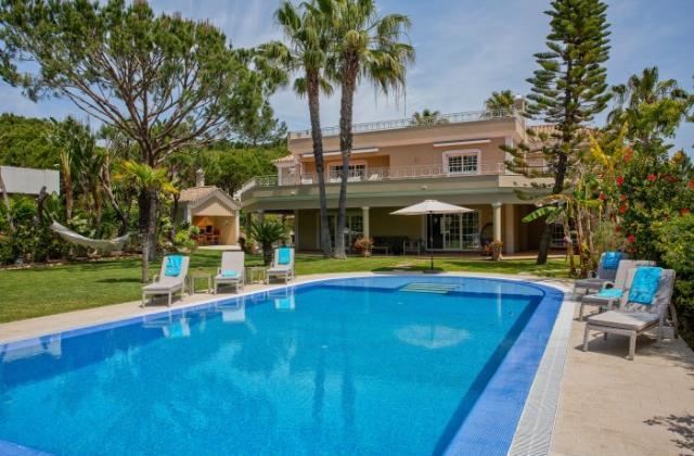 Properties in Vale do Lobo