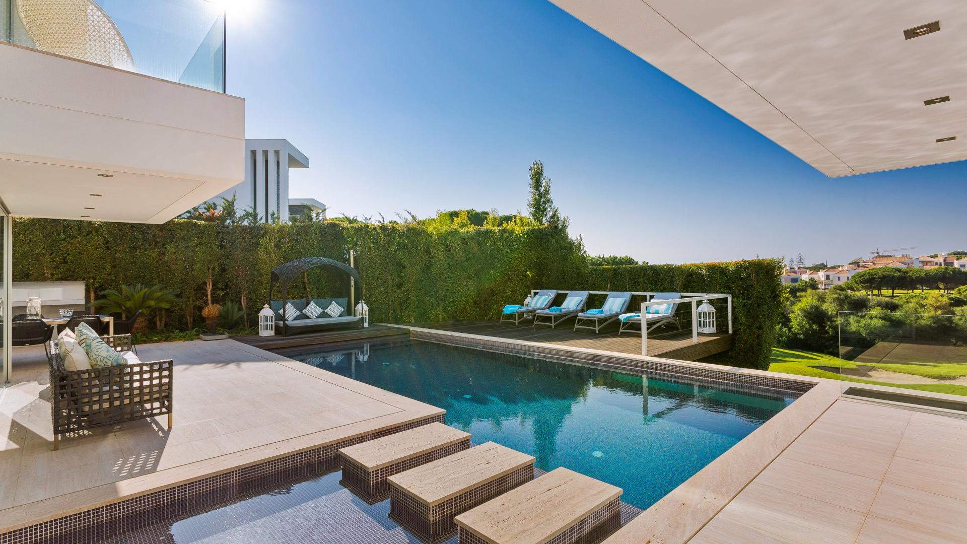 Luxury Villas With Pool Holiday Apartments For Rent In