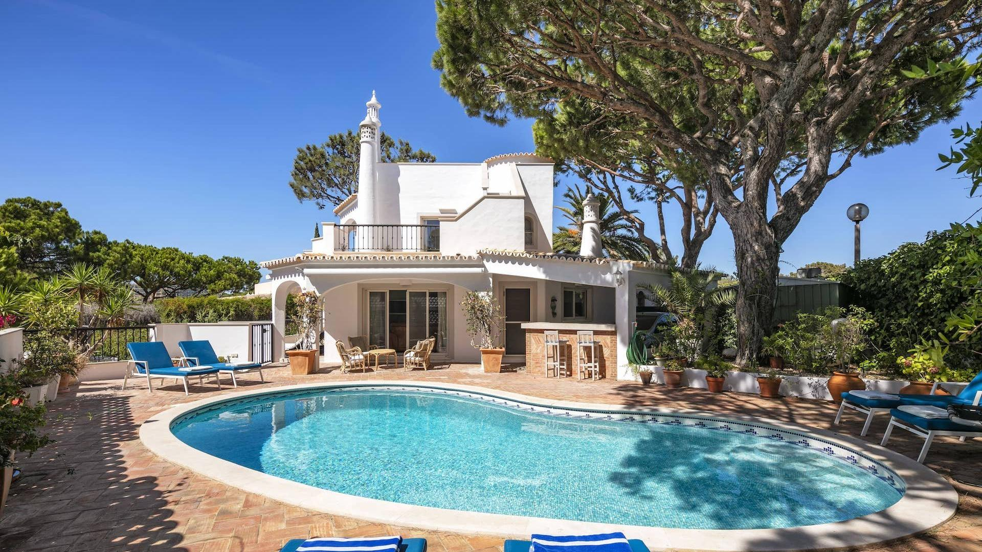 Villa Espada - Vale do Garrão, Vale do Lobo, Algarve - BACK_VIEW_OF_VILLA.jpg