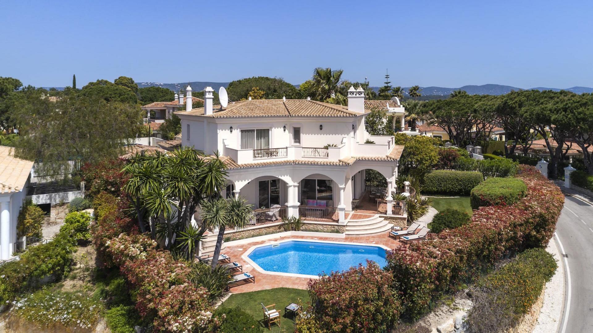 Villa Allegra - Pinheiros Altos, Quinta do Lago, Algarve - 2.png