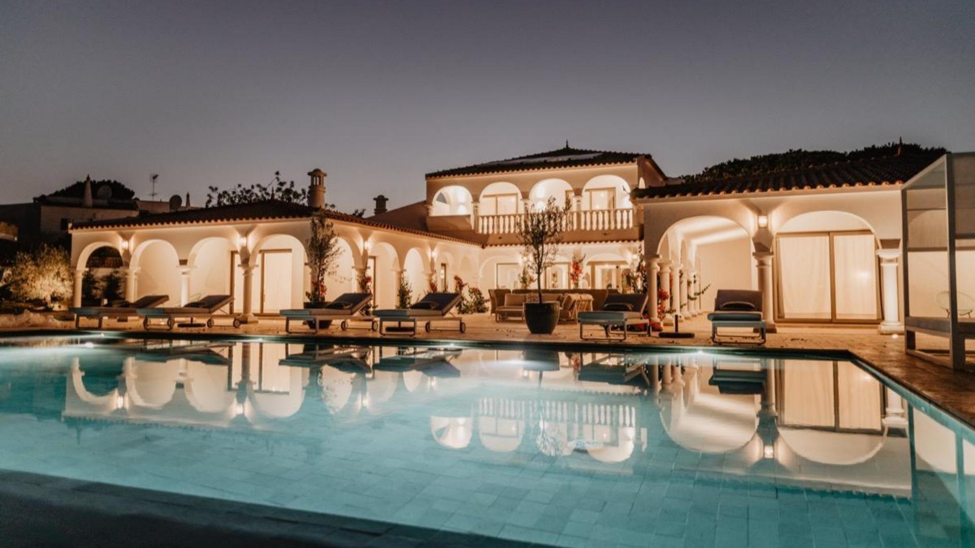 Villa Granvila - Cavalo Preto, Quarteira, Algarve - Villa_Granvila_Exterior_2_1.png