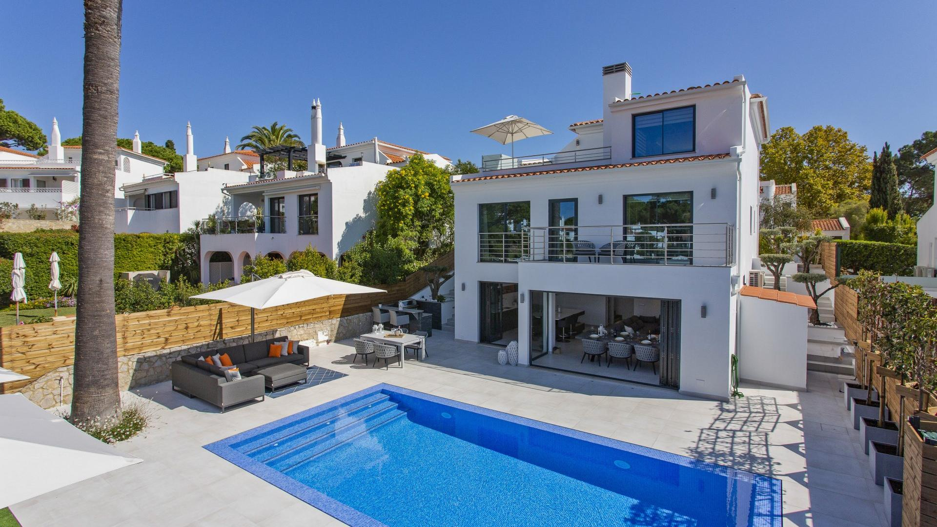 Villa Fin - Lakeside Village, Quinta do Lago, Algarve - Villa_Belle_Exterior_1.jpg