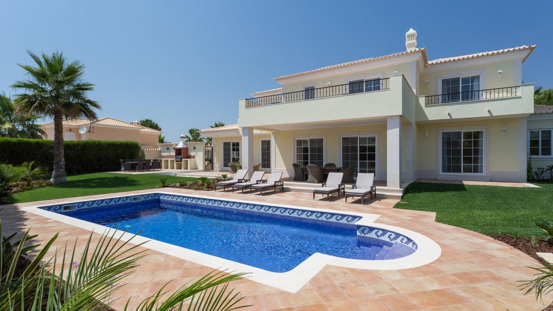 Villa Fecchi  - Varandas do Lago, Quinta do Lago, Algarve - Villa_Fecchi_Exterior_1.jpg
