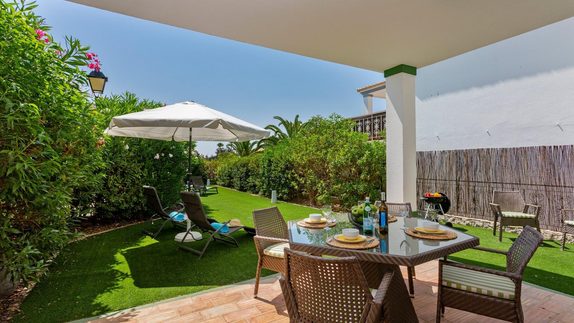 Casa Divina - Encosta do Lago, Quinta do Lago, Algarve - Casa_Divina_Outdoors_1_1.jpg